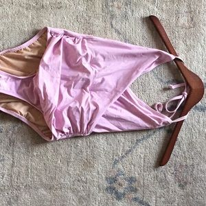One piece bathing suite